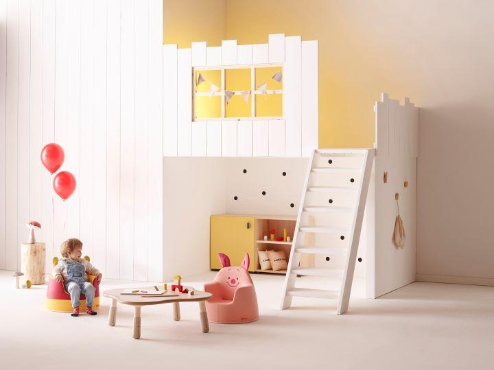 與迪士尼的聯名款家具小熊維尼 & 小豬皮傑。(圖 .iloom 提供)