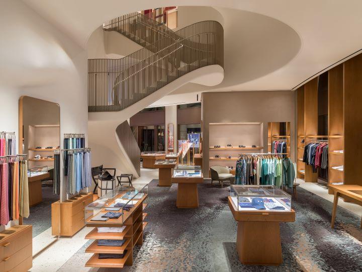 由品牌御用設計團隊RDAI操刀設計嶄新旗艦店空間。(圖.愛馬仕 提供)