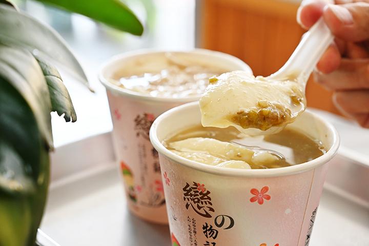 愛弟豆花的檸檬與綠豆湯系列,都是主打商品。 (圖.陳思明攝)