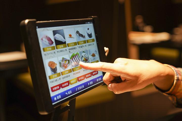點餐系統非常直覺式操作,是店家累積多年的實際經驗轉化而成。 (圖.蔡暉宏攝)