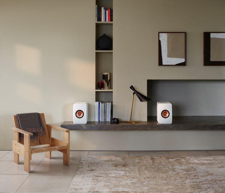 礦石白色的Wireless II無線HiFi揚聲器。(圖.KEF 提供)