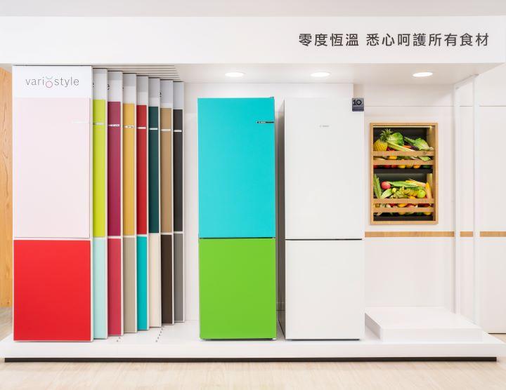 18色門片組讓消費者恣意變換顏色。(圖.BOSCH  提供)