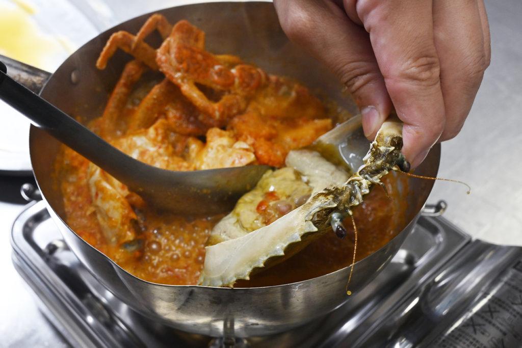 泰式酸辣螃蟹好刺激食慾。(圖.陳思明攝)