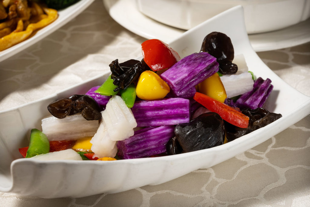 「鳳果甜豆雙淮山」是非常健康又好吃的一品。(圖.徐嘉駒攝)