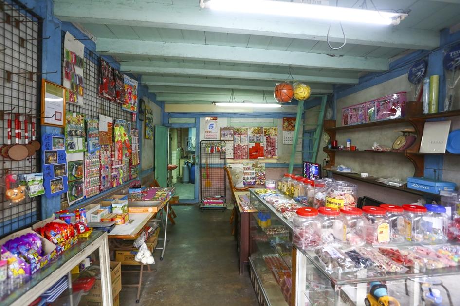菁寮老街上古早味十足的雜貨鋪。( 圖.蔡暉宏)
