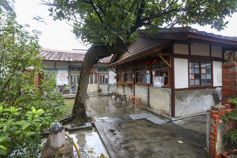 仍保有傳統農村樣貌的後壁菁寮老街一隅。( 圖.蔡暉宏)
