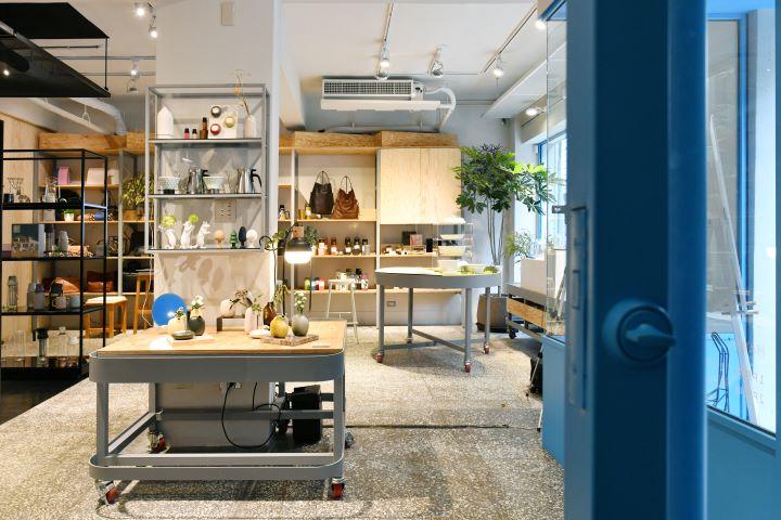 全新的風格選物店「HAVEN by nest」,藏身在台北中山精華商圈的巷弄中,將原本為早年印刷廠的住家兼廠房形式,改造成為一樓為風格選物店、二樓為咖啡廳的嶄新樣貌。(圖.陳思明 攝影)