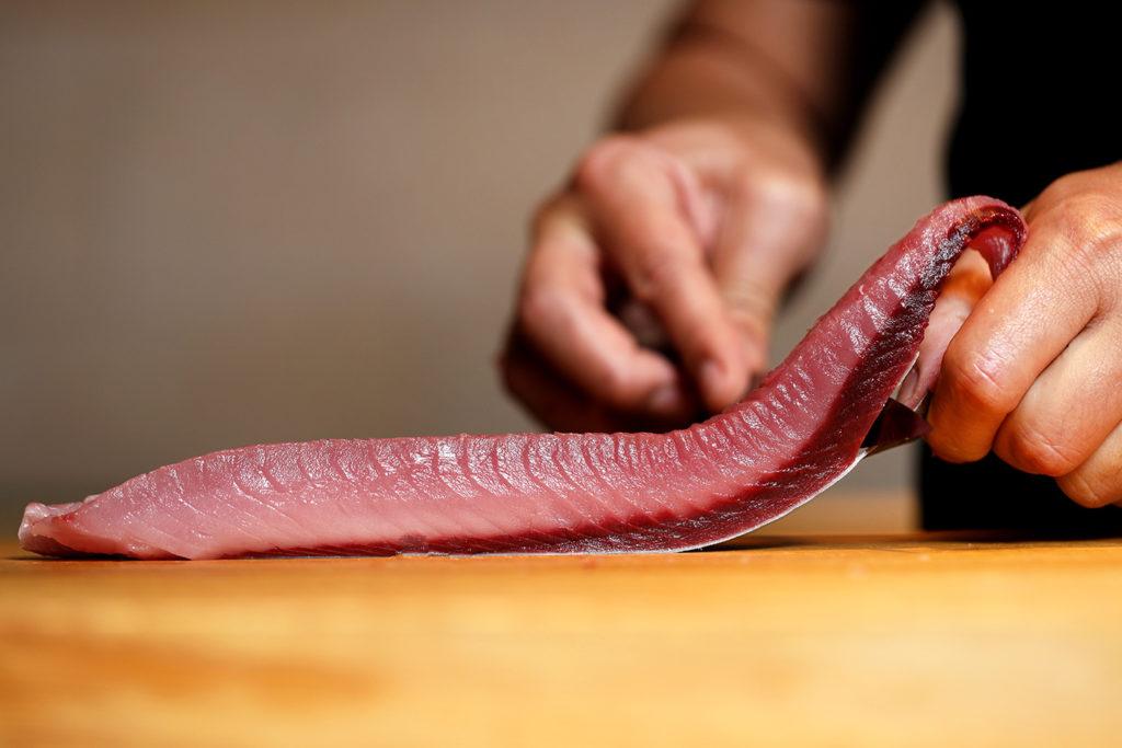 日式壽司的食材、刀工處理,都是成就美味的關鍵。 (圖.米匠提供)