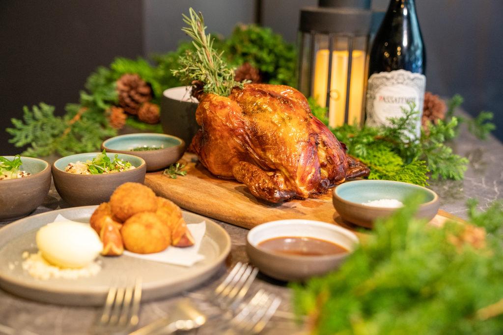 瑪黑餐酒的「松露奶油爐烤薩索雞」美味來自於處處細節的講究。(圖.林玉偉攝)