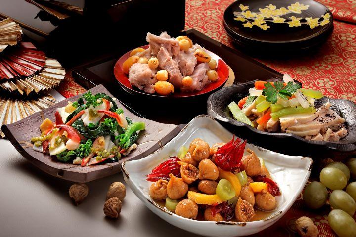 冬天植物落葉,營養移轉到根部,芋頭、蓮藕、菜心等根莖類食材特別營養美味。(圖.欣葉日本料理 提供)