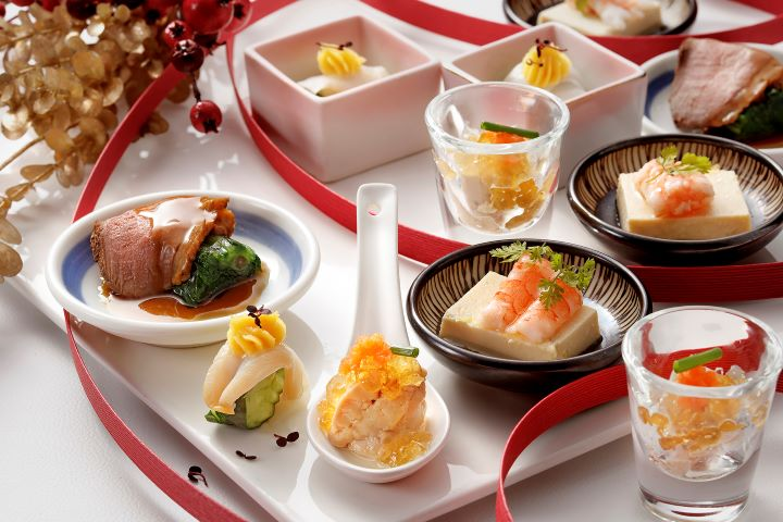 運用冬季食材變化清爽小缽與冷菜,在吃完暖身鍋物後讓味蕾更多變化。(圖.欣葉日本料理 提供)
