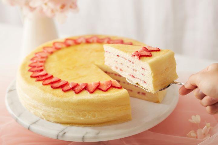 誘人甜美的草莓,以各種蛋糕、甜點、飲品呈現,為寒冷的冬天帶來為壘上的滿足。(圖.Lady M 提供)
