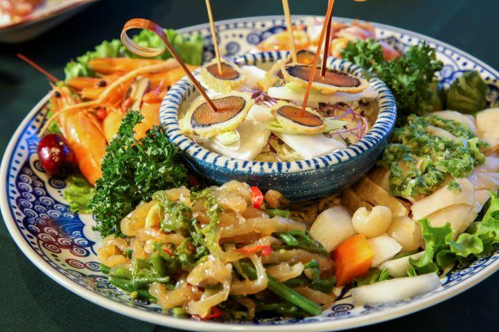 欣葉俱樂部的料理延續了欣葉台菜的精神,更融入的創意輕鬆小吃的特色。(圖.蔡暉宏 攝影)