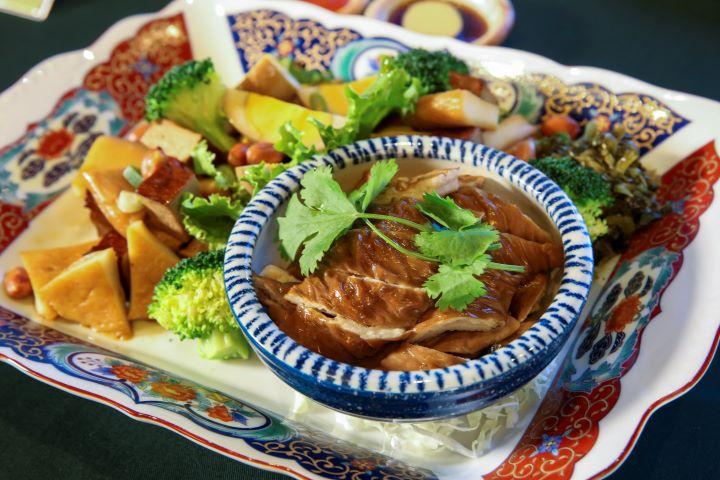 無論是獨享或者是聚餐,欣葉俱樂部滿足饕客的味蕾。(圖.蔡暉宏 攝影)