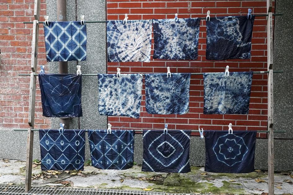 來到三峽老街不妨來體驗藍染,感受傳統染布工藝之美。( 圖.蔡暉宏 )