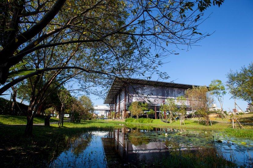 由宜蘭在地建築師黃聲遠所打造的羅東文化工場。(圖.宜蘭縣政府 提供)