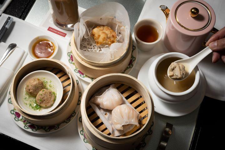 台北君悅酒店二樓茶軒著名的午茶重磅回歸,特別由港籍主廚推出12款精緻中式點心 。(圖.徐嘉駒 攝影)