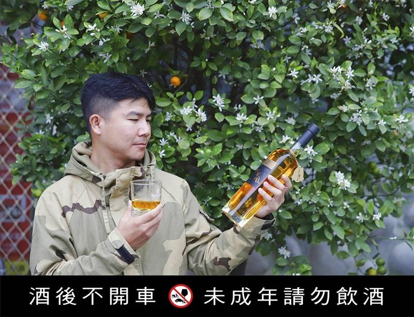 用台灣種植的金香葡萄釀的白蘭地,特別以九降風來命名 。( 圖.妮可魯)