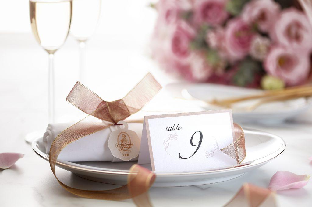台北喜來登大飯店氣氛高雅的安東廳No.9桌,是著名的必勝求婚桌。(圖.台北喜來登大飯店 提供)