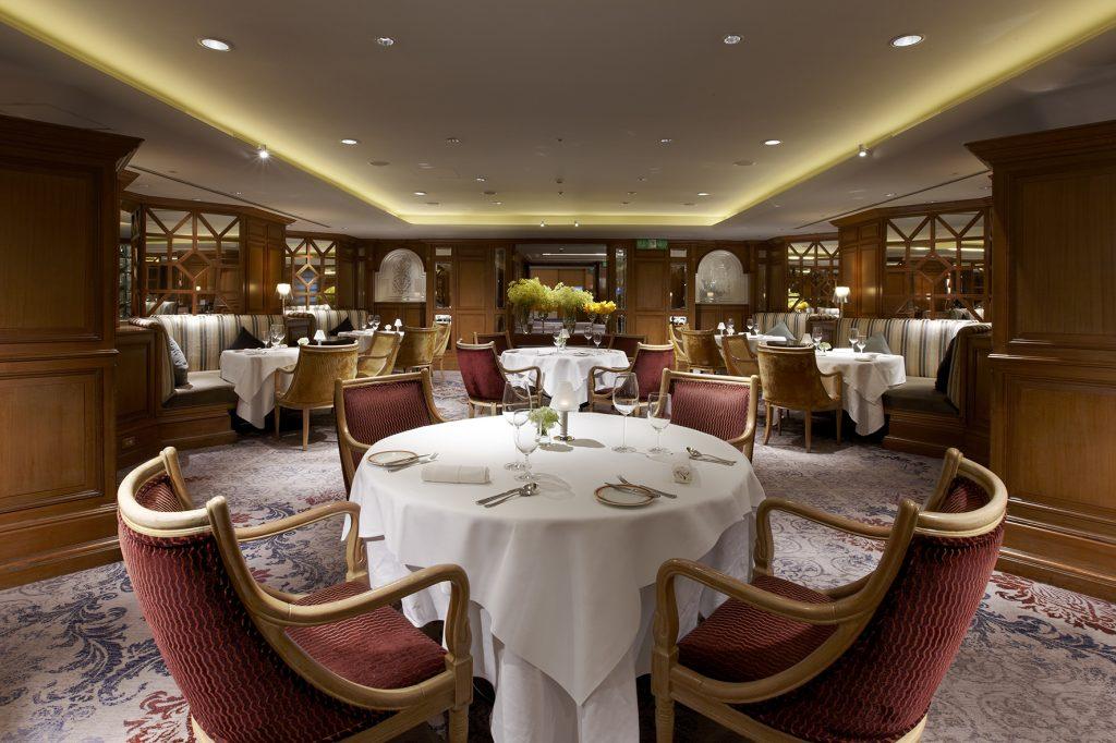 由飯店為新人量身訂製的求婚服務,一同見證最浪漫的時刻。(圖.台北喜來登大飯店 提供)
