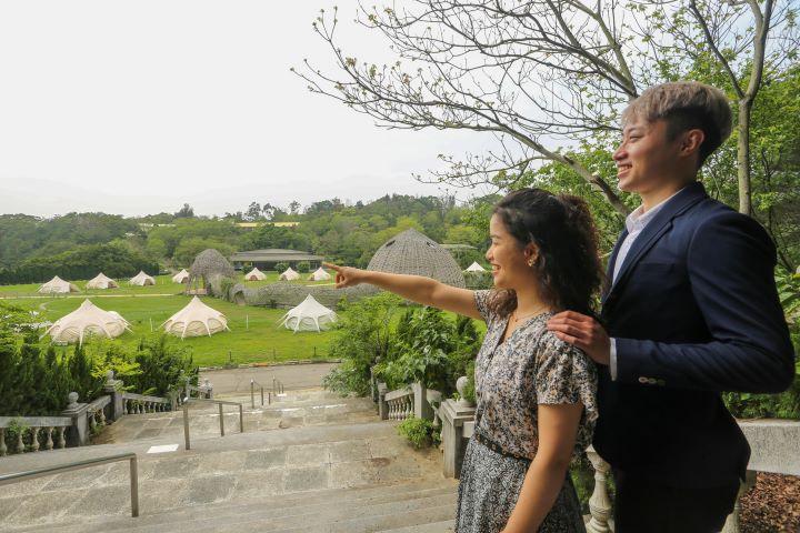 國際地景大師王文志老師的大型竹編作品中,一同烙印永誌難忘的婚宴體驗。(圖.蔡暉宏 攝影)