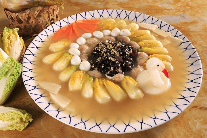 講究色香味俱全的「水晶鴿蛋太平燕」。(圖.台南晶英酒店 提供)