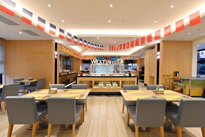 全新改裝之後的力麗威斯汀酒店知味西餐廳,空間更寬敞、菜色更升級。(圖.陳思明 攝影)